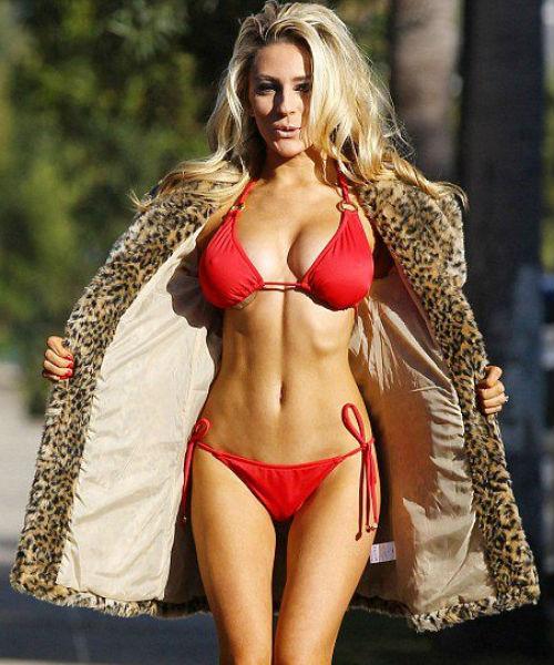 stodden-bikini-facebook